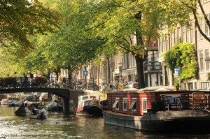 house boat amsterdam