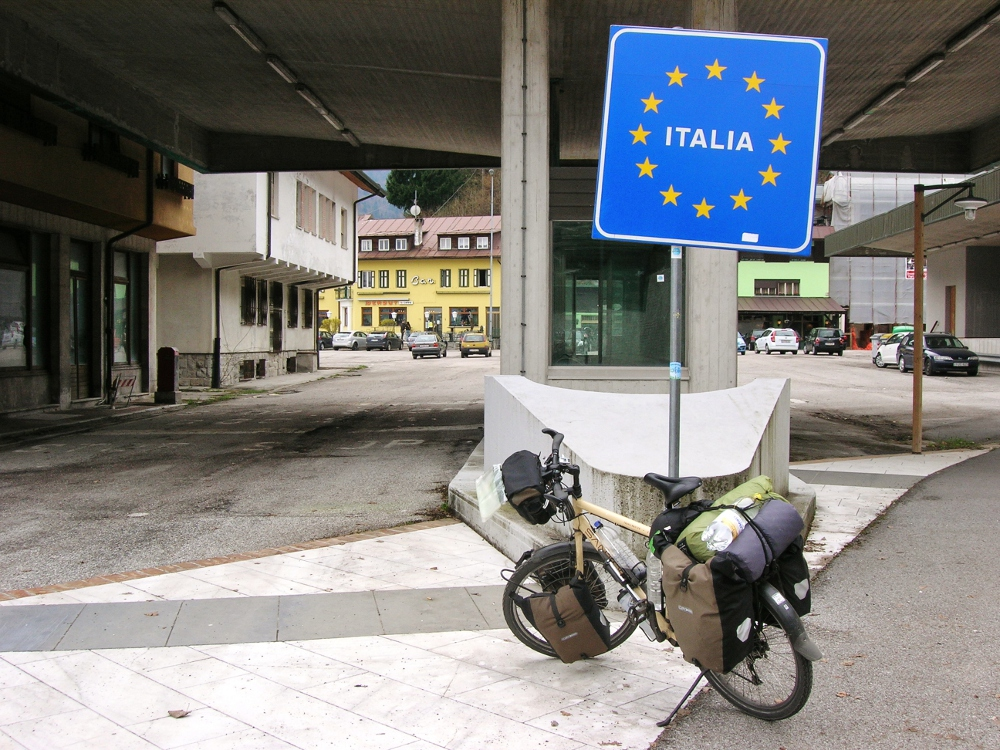 Richard's bike at the Italian Border