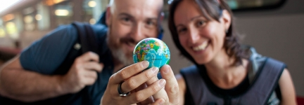 Elisa and Alessandro honeymooning around the world